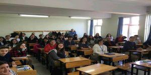 Biga'da Öğrenciler, Avrupalı Konuklarını Ağırlıyor