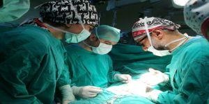 Pipisinin Üstünden İşeyen Çocuğa Cerrahi Müdahale
