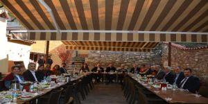 Başkan Özakcan Efeler Kent Konseyi İle Buluştu