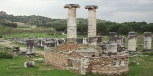 Sardes Antik Kentindeki Kaçak Kazıya Suçüstü