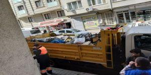 63 Yaşındaki Kadının Evinden 5 Kamyon Çöp Çıktı