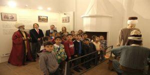 Trakya Üniversitesiden 'Gönül Elçileri-çocuk Akademisi' Projesi