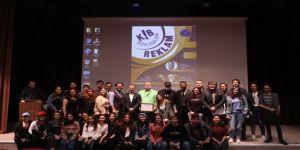 Aü'de İletişim Öğrencilerine Reklam Semineri