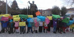 TED İzmir Kolejinden iklim için okul grevine 100 öğrencisiyle destek