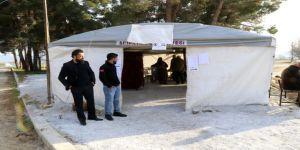 Depremzede Seçmenler Oyunu Çadırda Kullandı