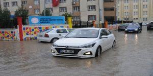 Mardin'de Sağanak Sağış Seçmeni Engellemedi