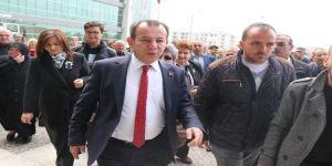 Bolu Belediye Başkanı Özcan, Mazbatasını 500 Kişiyle Birlikte Aldı