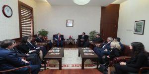 Vali Çakacak, Kızılay'ın Yeni Yöneticilerini Kabul Etti