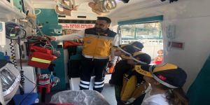 Minik Öğrenciler Ambulansı İnceledi