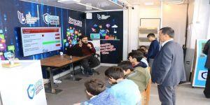 Btk Güvenli İnternet Tırı Amasyalı Öğrencilerle Buluştu