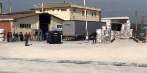 Fabrikaya Karton Getiren Tır'dan Mülteciler Çıktı