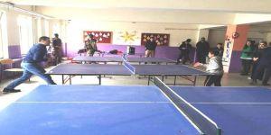 Kaymakam Uzan, Öğrencilerle Masa Tensisi Oynadı