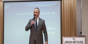 Giresun Üniversitesi Rektörü Prof. Dr. Coşkun, İslam Dünyasında Bilimi Anlattı