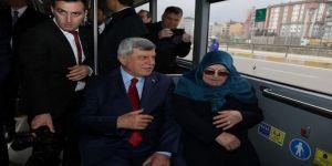 Görevi Devreden Eski Belediye Başkanı, Eve Otobüsle Döndü
