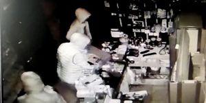 Kocaeli'de İş Yerine Dadanan Suç Makinesi 4 Hırsız Güvenlik Kameralarına Yakalandı
