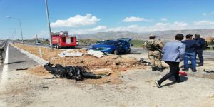Cizre'de Motosikletiyle Otomobile Çarpan Polis Memuru Hayatını Kaybetti