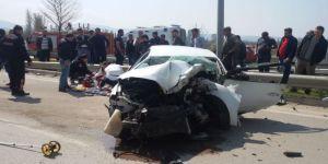Tıra Çarpan Otomobilin Sürücüsü Hayatını Kaybetti