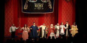 Kibarlık Budalası 600. kez sahnelendi