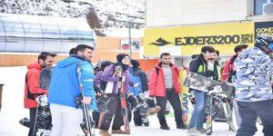 Etü Bilgisayar Mühendisliği Bölümü Öğrencilerine Kayak Kursu