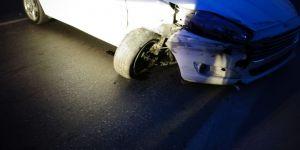 Pendik'te Kontrolden Çıkan Araç Bariyerlere Çarptı