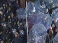Kanaltürk TV Önünde Hareketli Anlar! Polis Kapıyı Kırıp İçeri Girdi