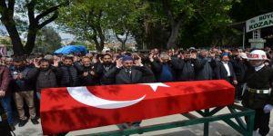 Bedelli askerlik için birliğine giderken kazada ölen genç toprağa verildi