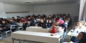 Kumluca'da Öğrencilere Ve Personele Sigara Bırakma Semineri Verildi