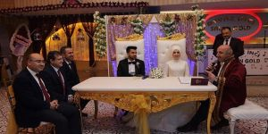 Muzaffer Bıyık, ilk nikahı kıydı