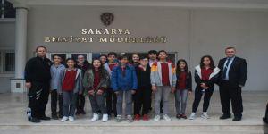 Ortaokul Öğrencilerinden Sakarya İl Emniyet Müdürlüğü'ne Ziyaret
