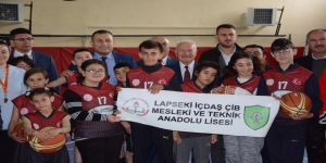 Lapseki'de Özel Eğitimli Çocuklar İçin Basketbol Kursu Açıldı