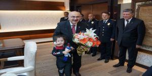Vali Köşger'e Polis Haftası Dolayısıyla Ziyaret Gerçekleştirildi