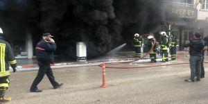 Beyaz eşya mağazasındaki yangın paniğe neden oldu