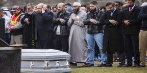 ABD'de öldürülen 3 Müslüman gencin babası Kongre'de konuştu
