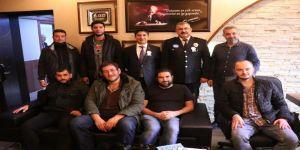 Kocaeli Basınından Polislere Tatlı İkramı