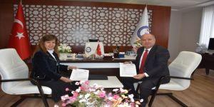 İzmir Demokrasi Üniversitesi ve İŞKUR'dan işbirliği protokolü
