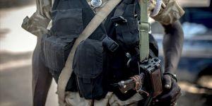 Sudan'da askerler iktidar partisi liderlerini gözaltına almaya başladı