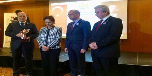 Prof. Dr. Bülent Görenek'e Türk Kalp Vakfı Tıp Ödülü