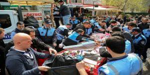 Bursa'da Zabıtadan Seyyar Satıcılara Operasyon
