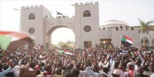 Sudan'da gözaltındaki çok sayıdaki muhalif serbest bırakıldı