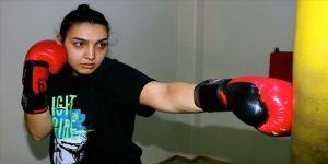 Genç kick boksçunun hedefi büyük