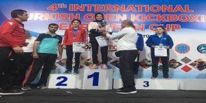 Uluslararası Kick Boks Şampiyonasında 8 Madalya