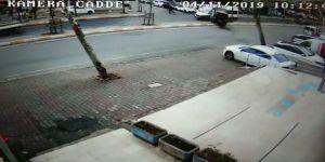 Minibüsün Servis Aracına Adeta Ok Gibi Saplandığı Kaza Kamerada