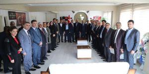 Ak Parti'de Meclis Üyeleri Mazbatalarını Aldı