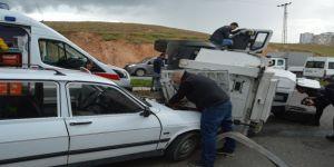 Siirt'te Kaza Anı Güvenlik Kamerasına Yansıdı