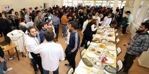 Yabancı Öğrenciler Gaziantep Yemeklerini Öğrendi