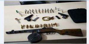 Durdurulan Araçta Ağır Makineli Tüfek Ve Tabanca Yakalandı