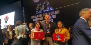 """Yüksekovalı Öğrencilere """"50. Tübitak Lise Öğrencileri Araştırma Projeleri"""" Yarışmasında Teşvik Ödülü"""