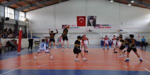 Kulüpler Arası Yıldız Erkekler Voleybol Grup Müsabakaları Simav'da Başladı
