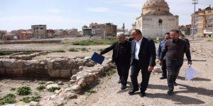 Başkan Kavuş Kentsel Dönüşüm Alanında İncelemelerde Bulundu