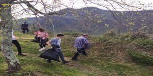 Lise Öğrencileri Tarihi Andoz Kalesinde Çevre Temizliği Yaptı